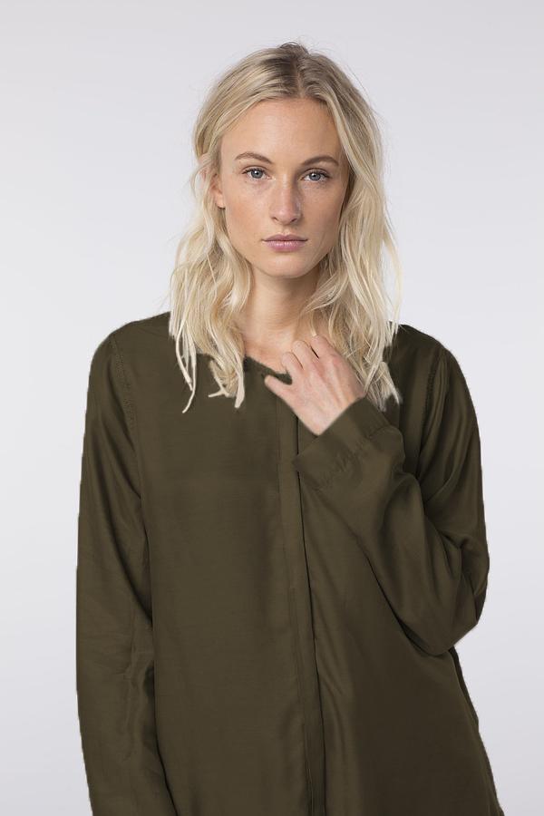 Блузка OSKA в наличии в Чöрной икре. г. Пенза
